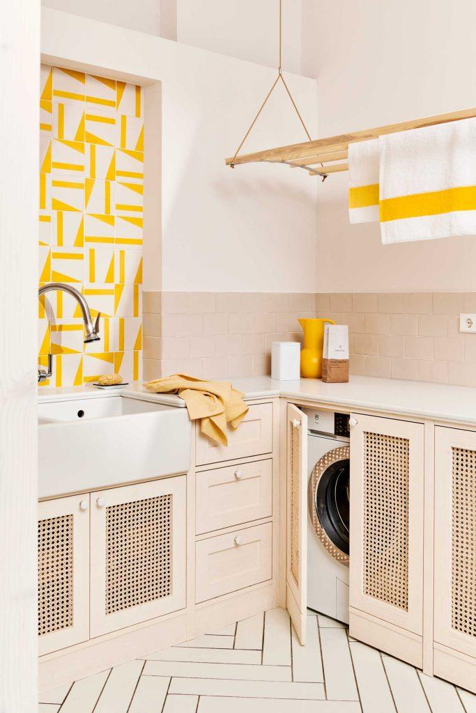 laundry fliesen gelb weiß