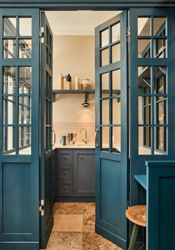klassische küche blau